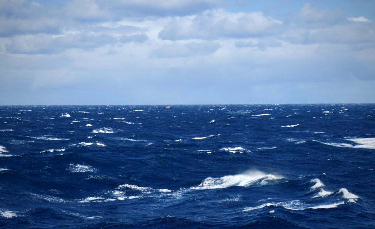 Stilla havet och i stormens öga. Alldeles i närheten av Kap Horn i södra Chile.