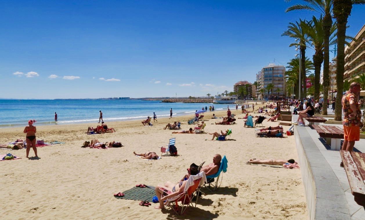 Många har valt att ha en heldag på stranden