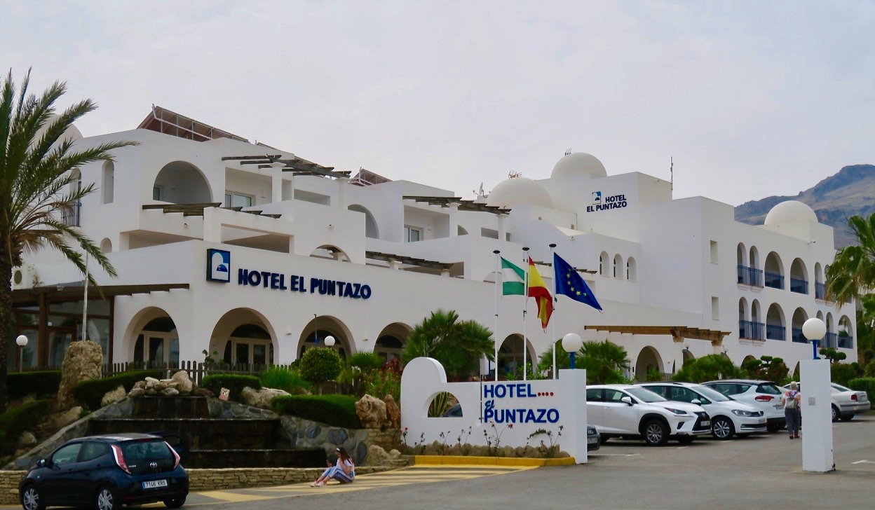 Hotel El Puntazo i Majacar Playa är perfekt för en kortare semester. Verkligen trevligt och med fina rum och mycket bra service.