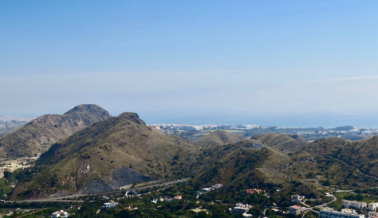 Mojácar. Välkomna tillbaka. Utsikten från byns högsta punkt El Castillo är hänförande.