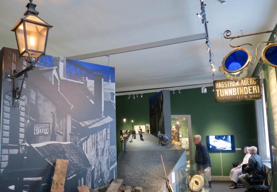 Mer Stockholmshistoria. En gatubild från mitten av 1800-talet