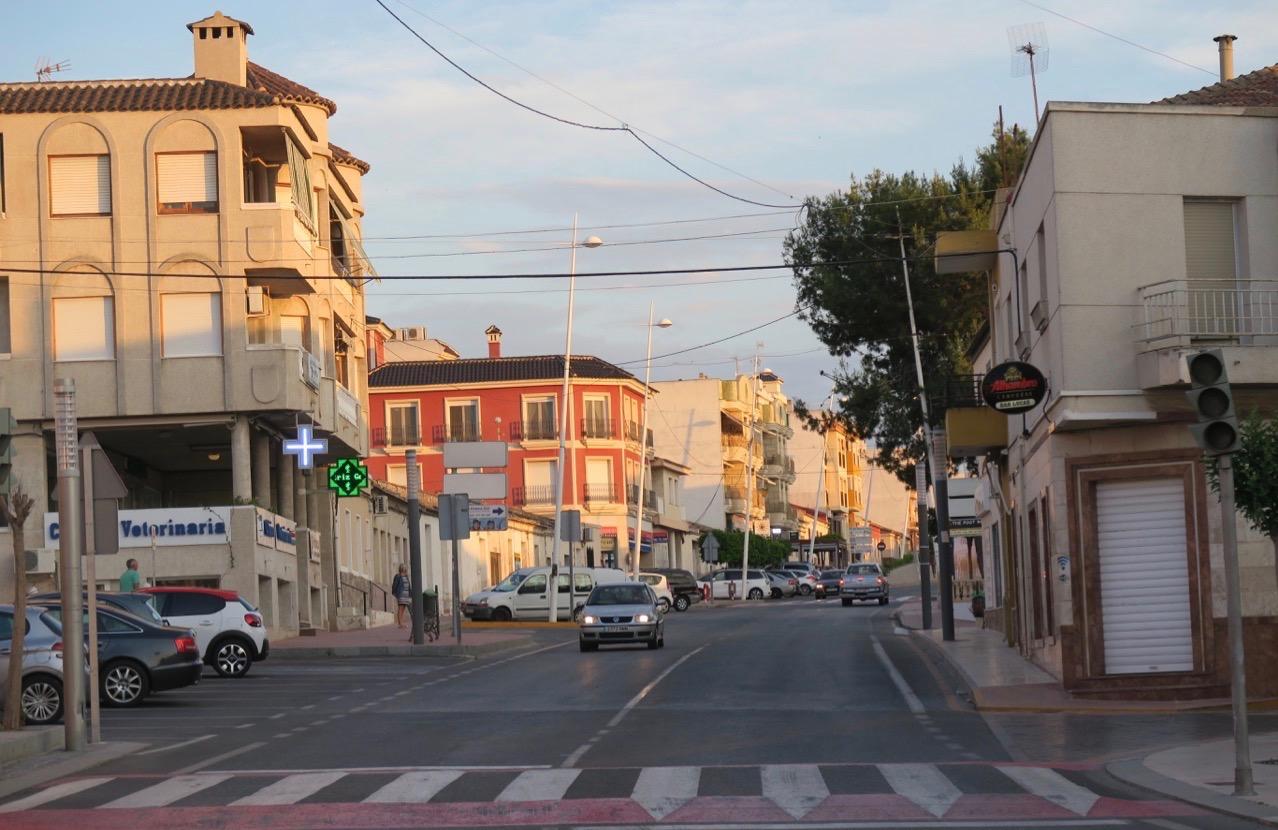 Här i byn Benijofar, 15 km nordväst om Torrevieja började vår matupplevelse, på restaurang Cata