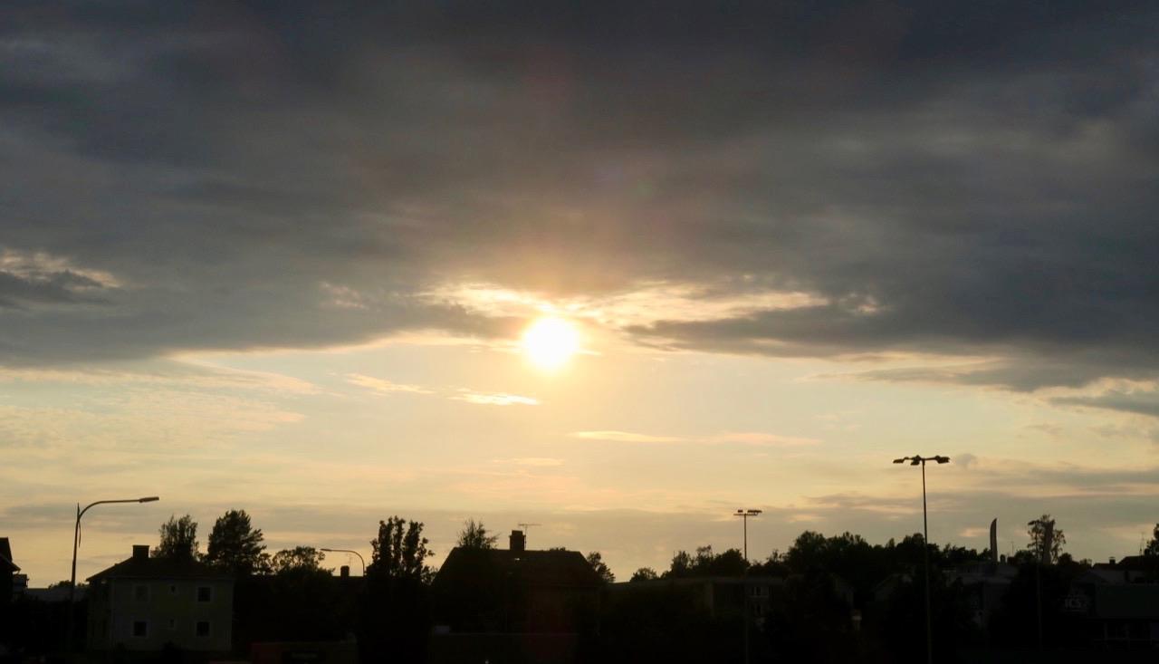 Solen är på väg ner även i Arvika.