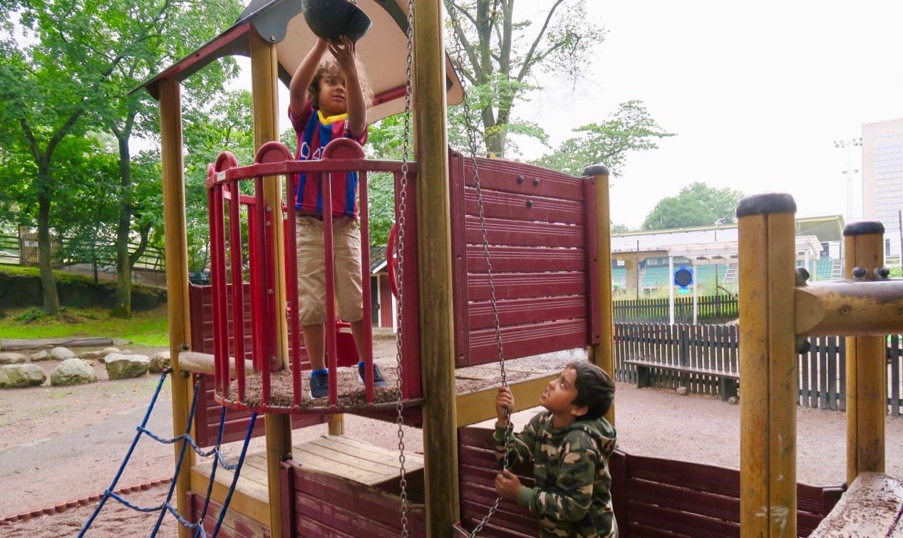 Full aktivitet i Blecktornsparken.