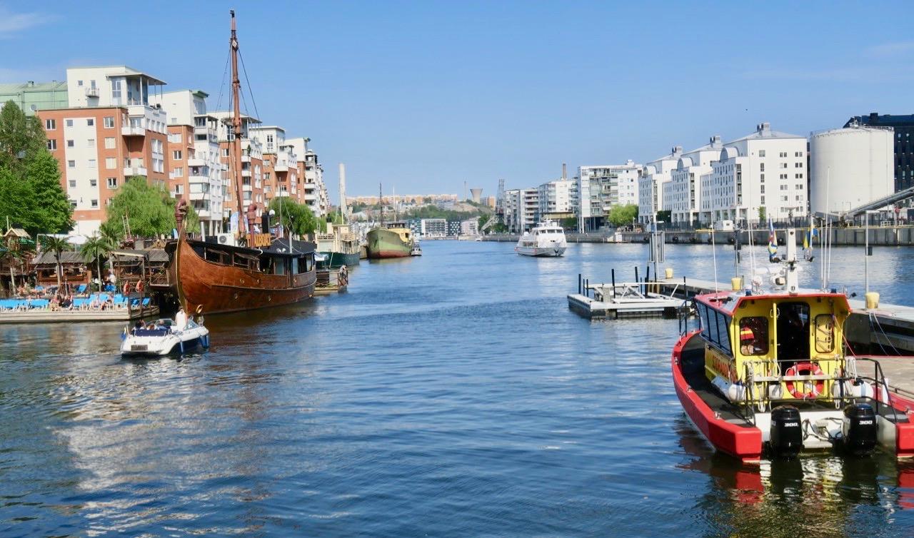 Hammarbykanalen är vägen på vattnet från Östersjön och in i Mälaren