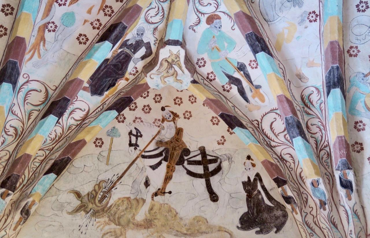 De gamla målningarna i Härkrberga kyrka från 1300-talet är en sevärdhet.