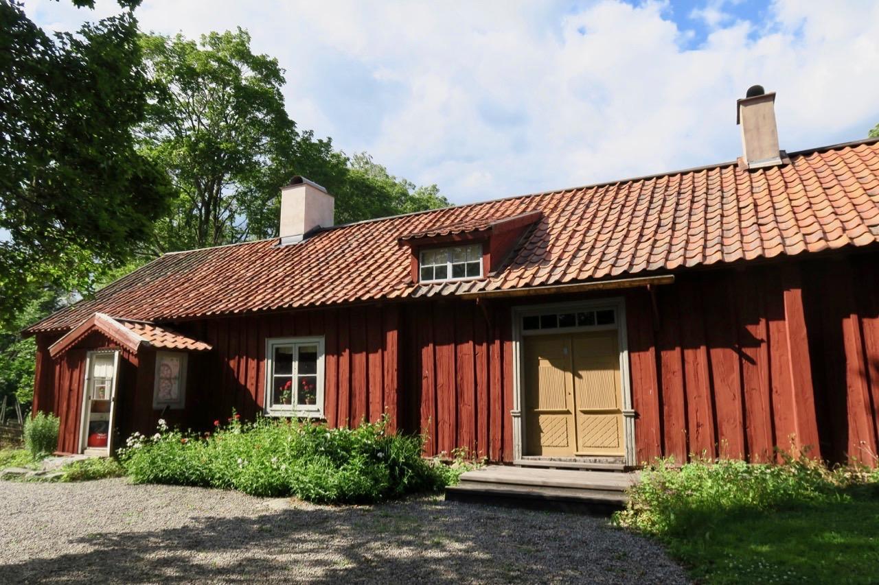 Kaplansgården i Härkeberga, här bostadshuset, är en sevärdhet i sig.