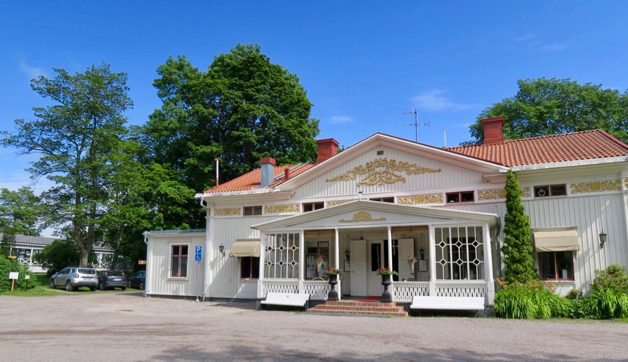 Svartviks herrgård är ett bra lunchstopp på vägen från Stockholm till Höga kusten