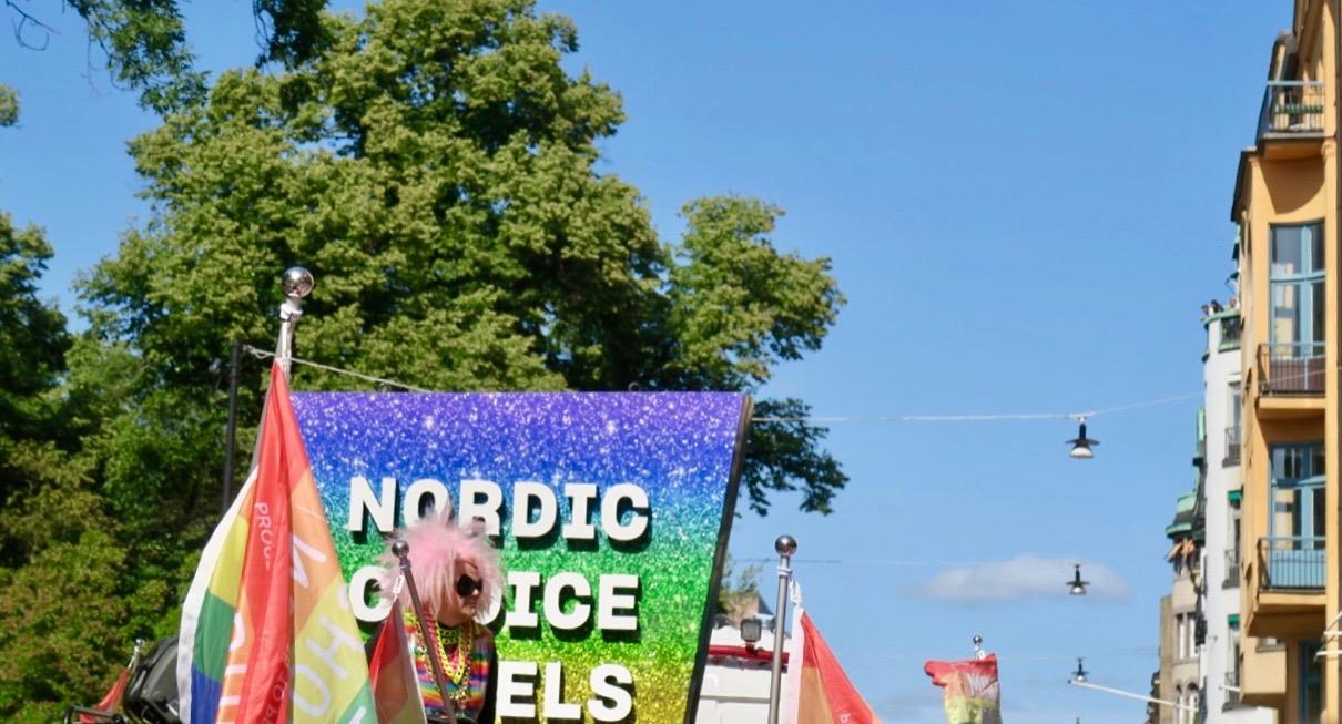 Petter Stordalen. ägare av hotellkedjan Nordic Choice, är en av huvudsponsorerna till Prideveckan och Prideparaden i Stockholm.