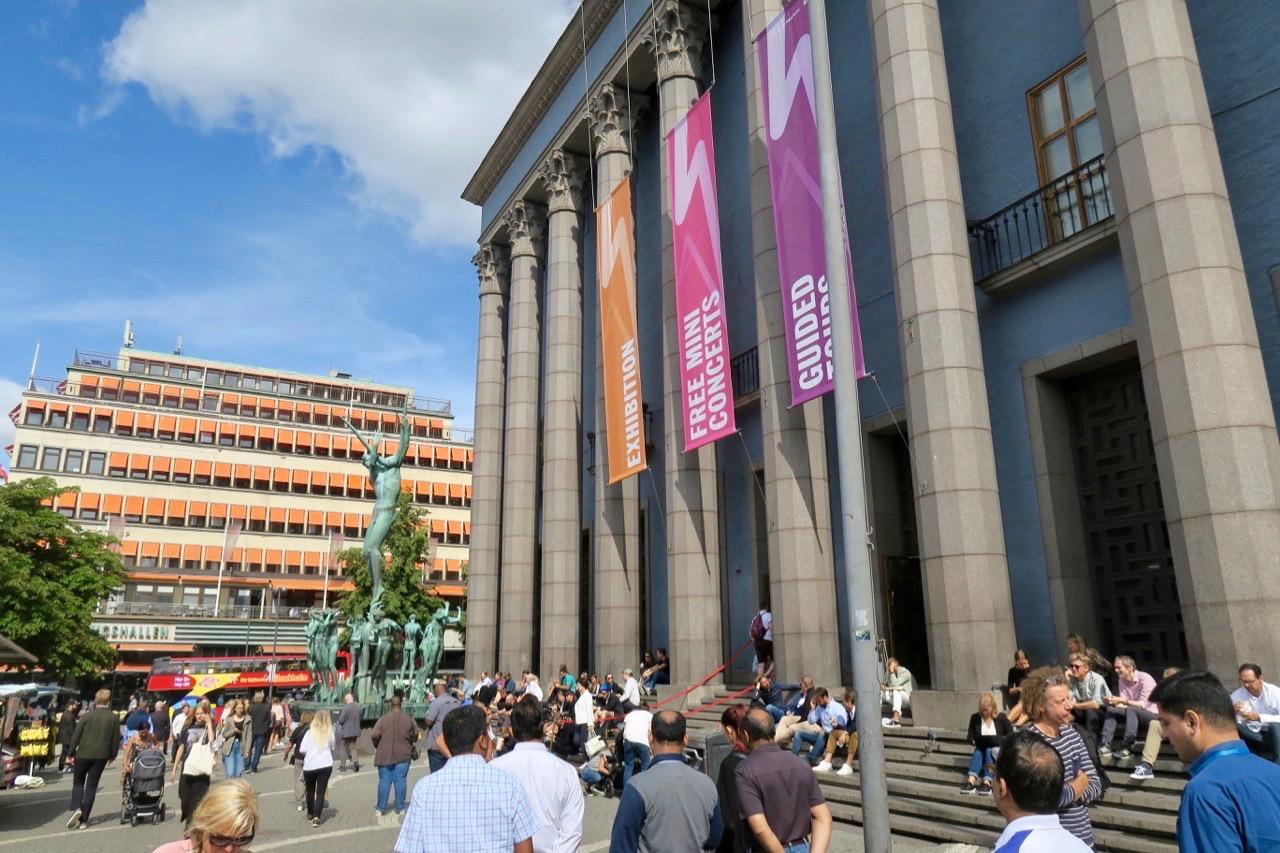 Stockholm igår. Hötorget och Konserthuset.