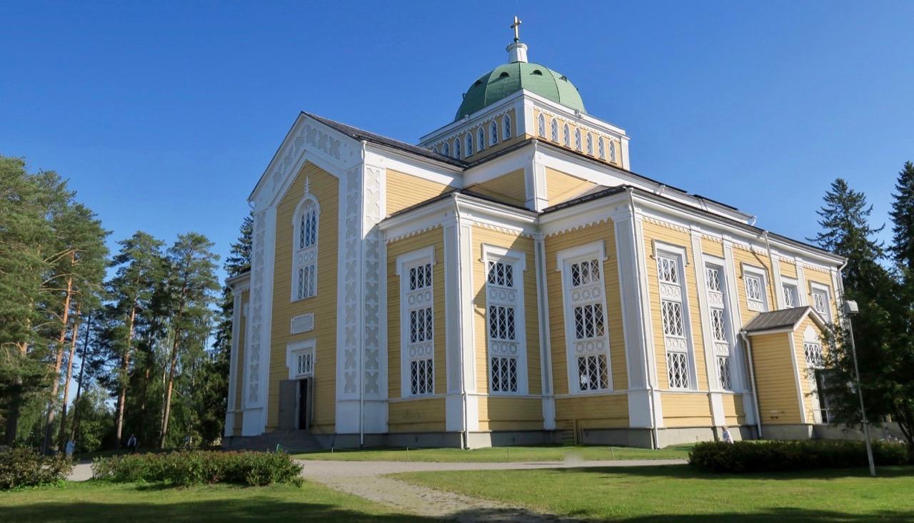 Finland har mycket att erbjuda av det mesta. Bl.a. en av världens strösta träkyrkor