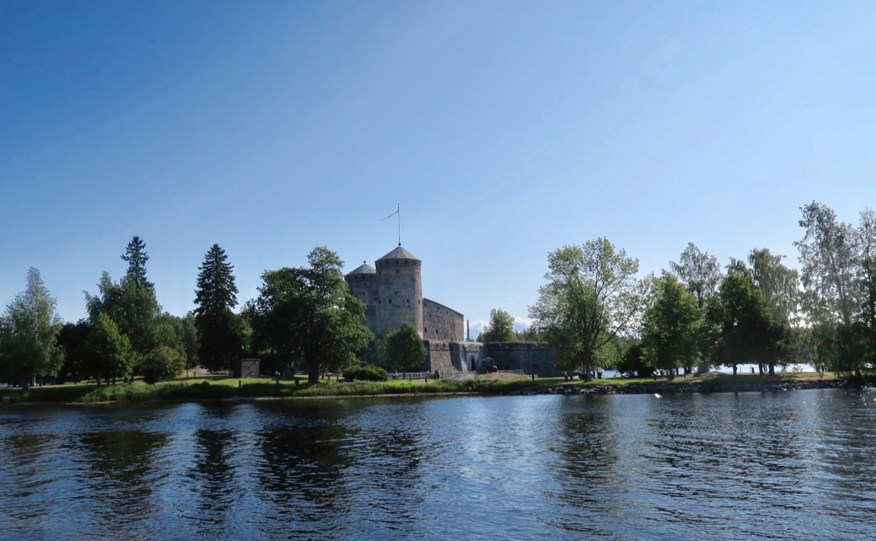Olofsborg i nystad är en av Finlands många historiska sevärdheter.