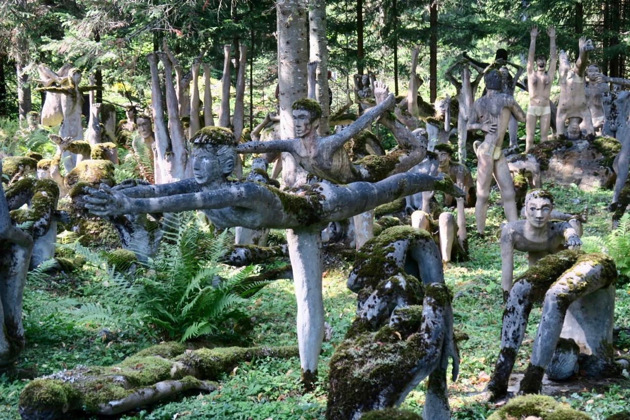 Parikkala statypark med ca 550 statyer i betong ligge bara några km från ryska gränsen.