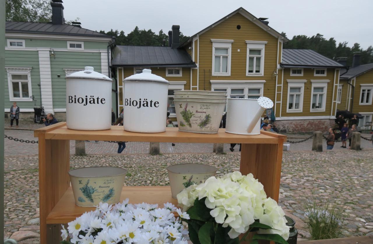 Torghandel framför rådhuset i Borgå.