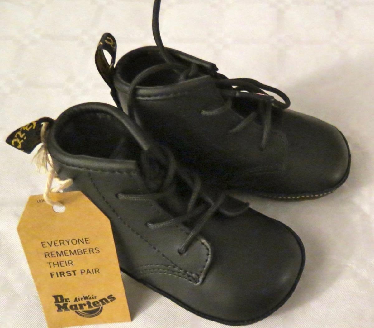 Skor för små fötter i mjukaste skinn och där små tår kan trivas.
