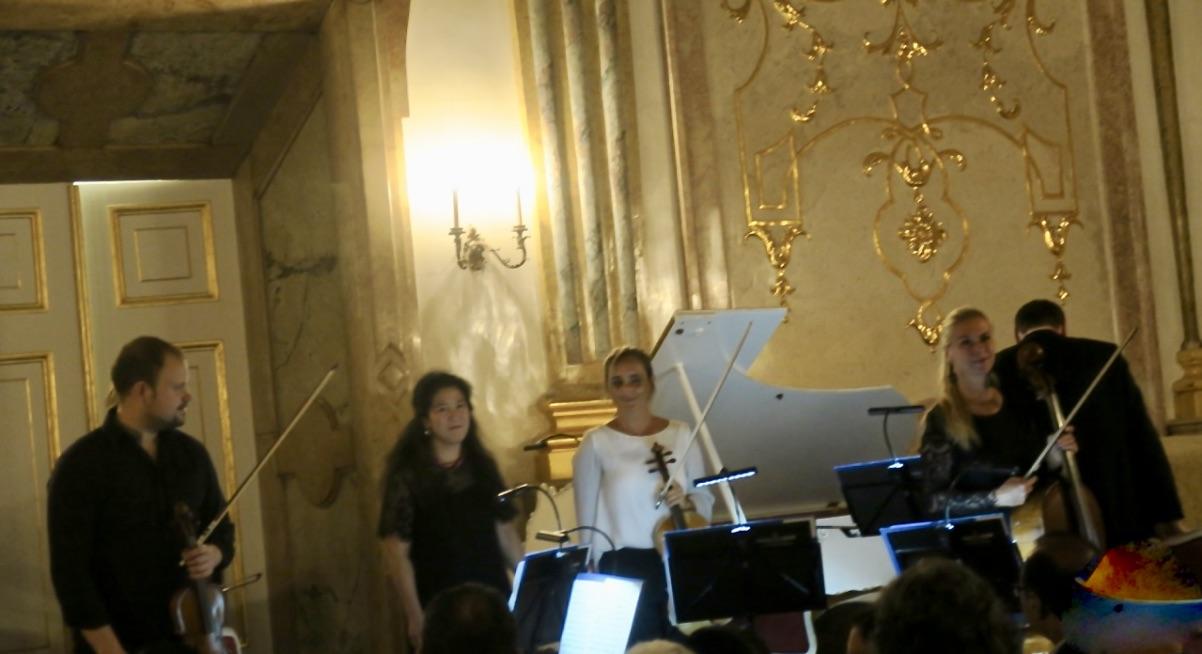 Vi var en kväll på konsert här i marmorsalen på slottet Mirabell