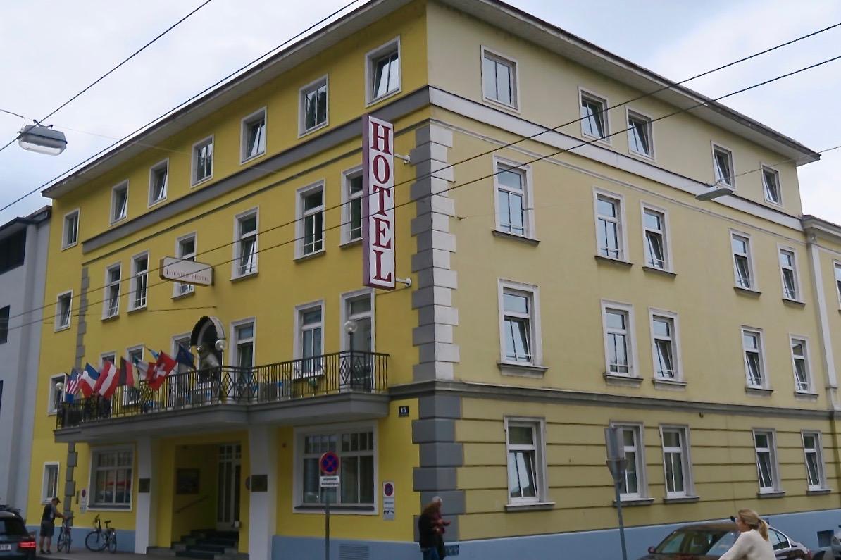 Vårt boende för veckan i Salzburg är hotell Goldenes Theater