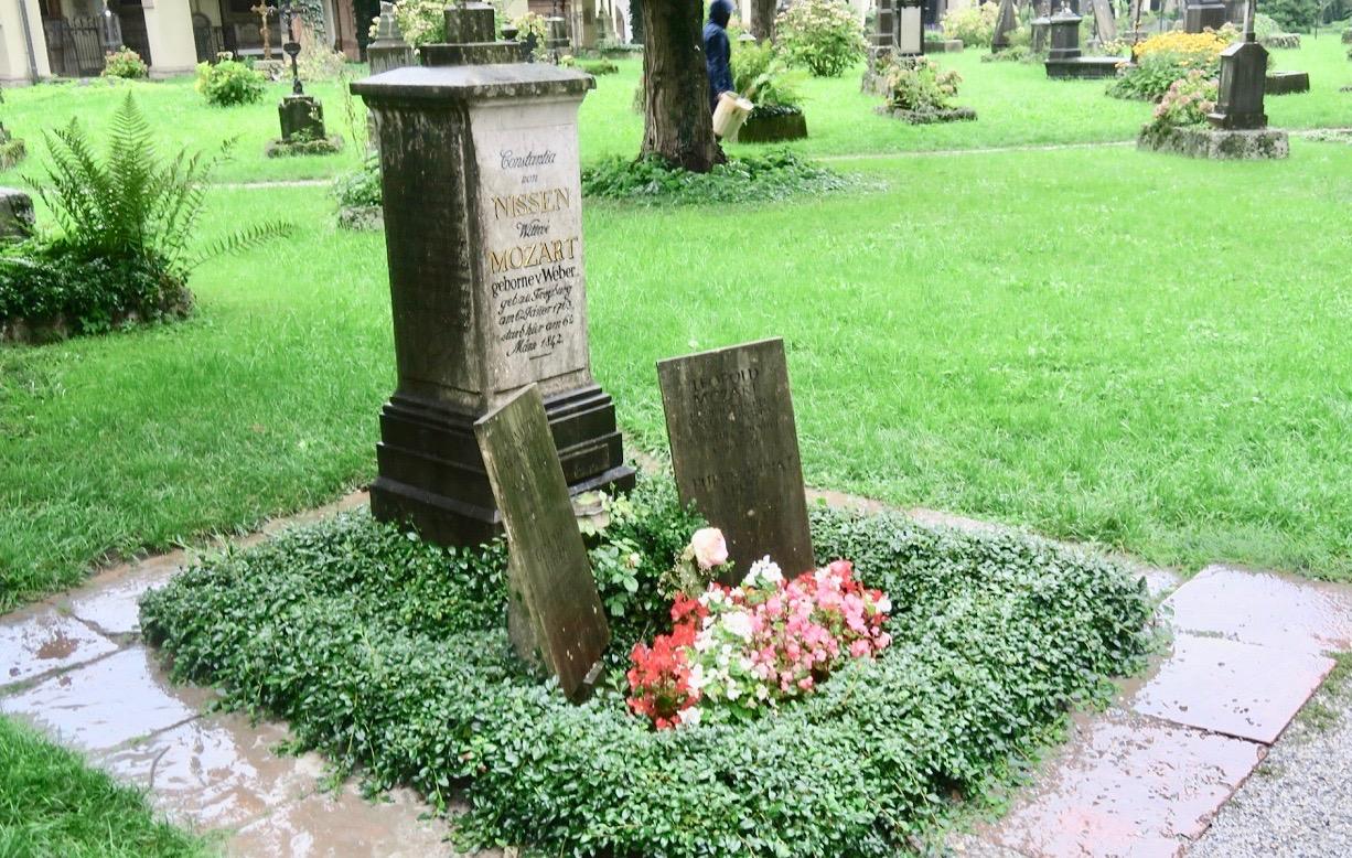 På väg till slottet Mirabell tittade jag in på St. Sebastiankyrkogården där delar av familjem Salzbuthfamilje Mozart är begravda.