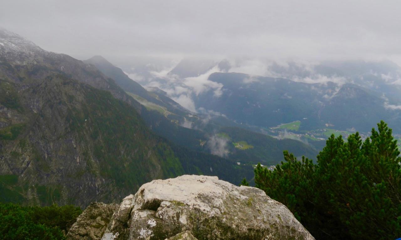 Jag har tagit mig en bar bit vidare från Hitlers Örnnäste och kommit upp till hela 2600 meter över havet.