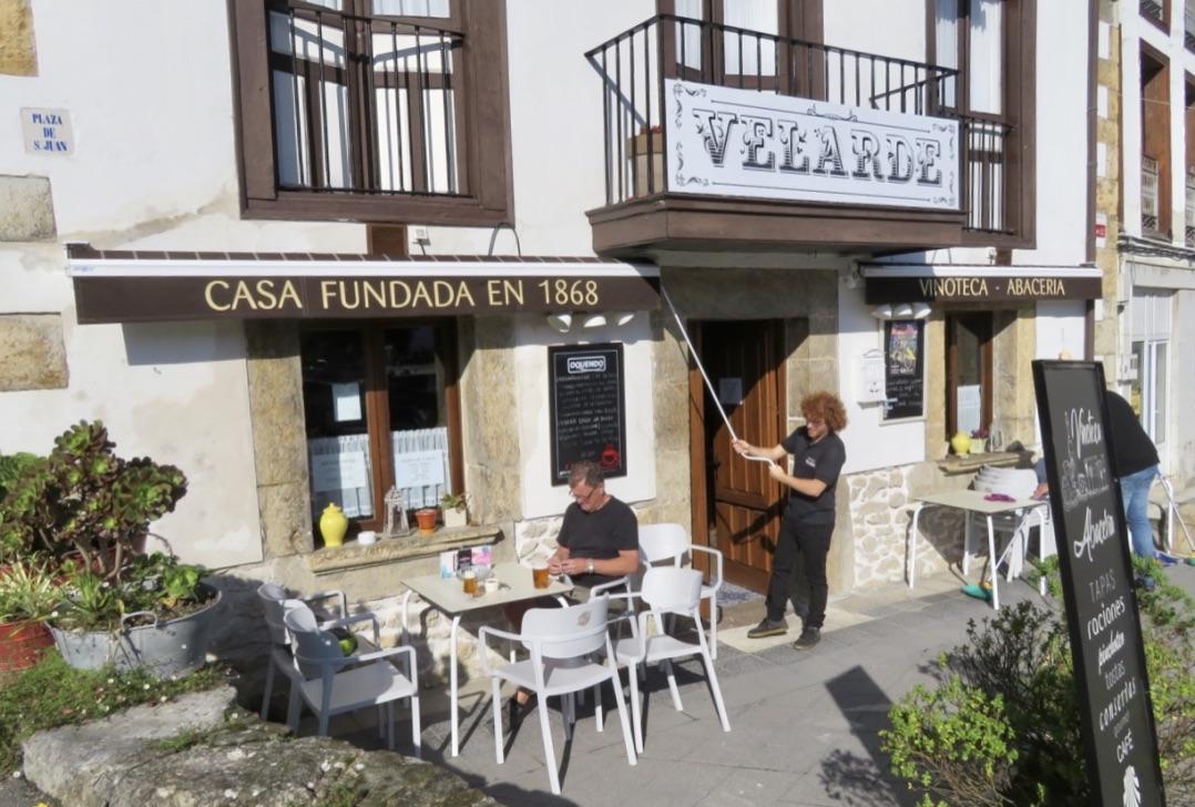 Ytterligare ett fint möte i Unquera. En supermysig restaurang inrymd i en byggnad från 1868. från 1868-