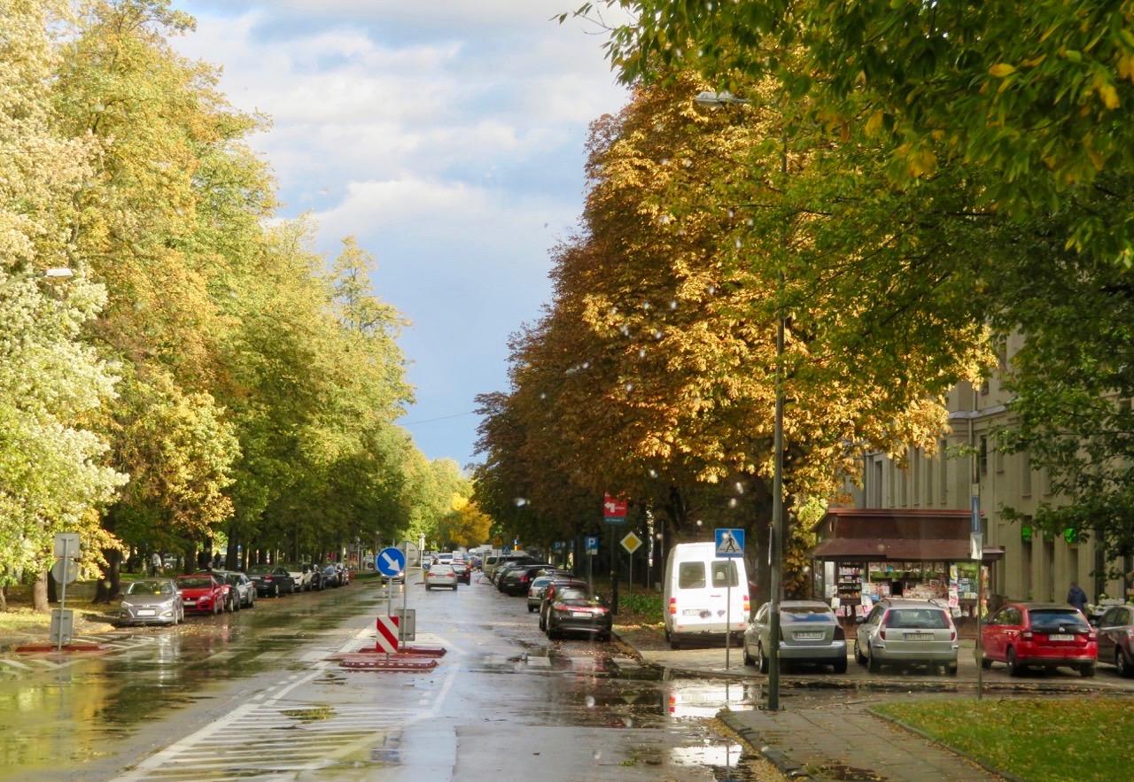 En av de långa gatorna i Nowa Huta - Idealstaden