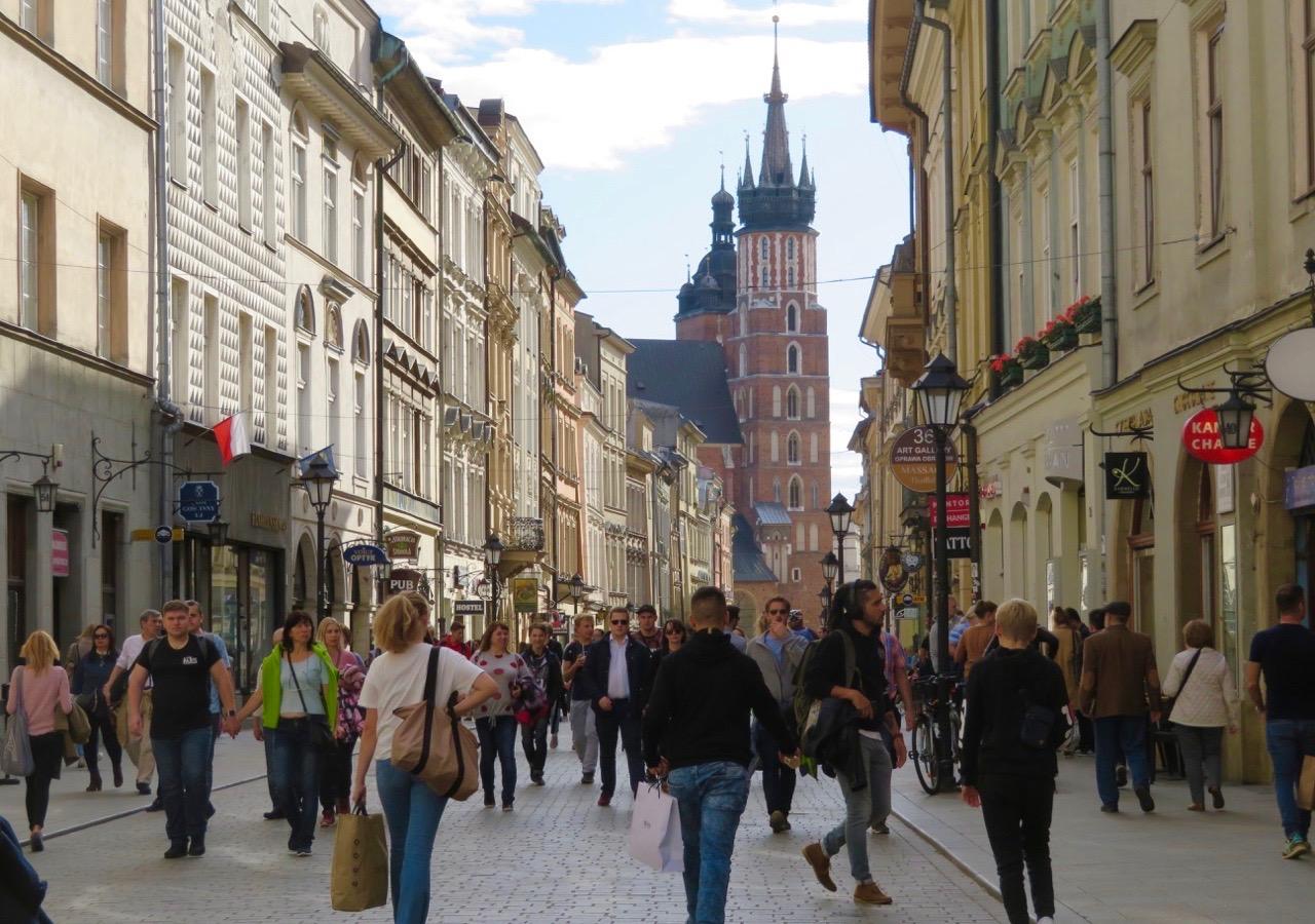 De gamla delarna av Krakow är helt bilfria