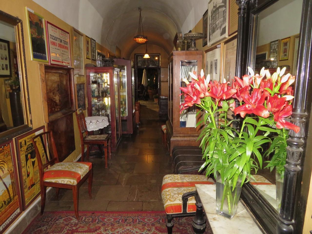 Restaurang Klezmer Hois. Här kändes det som om vi skulle spendera en kväll hemma hos vänner.