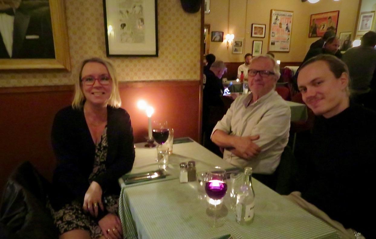 Tisdag kväll och middag på Lokes Bar på Söder.