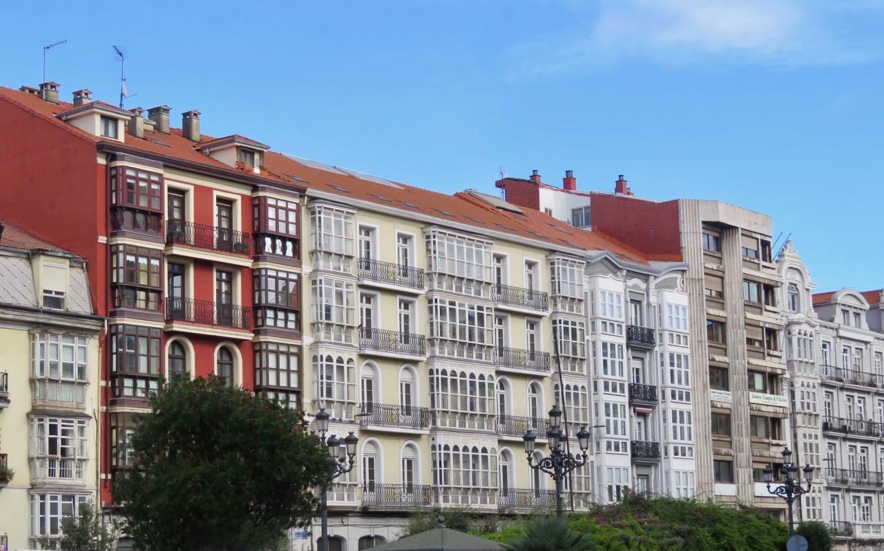Santander har många vackra äldre hus.