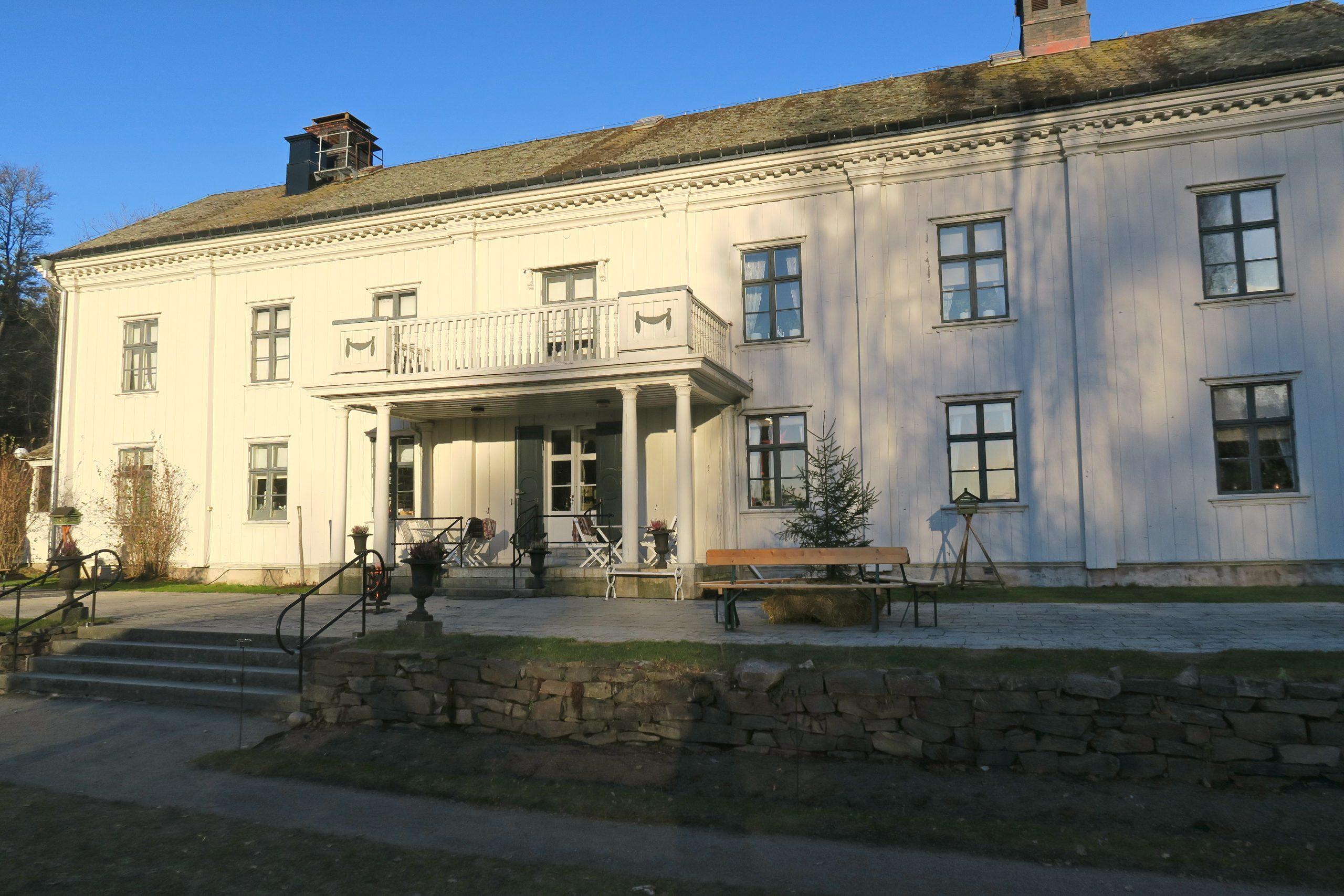 Alsters herrgård utanför Krlstad i Värmland. DEn gård där Gustaf Fröding föddes 1860.