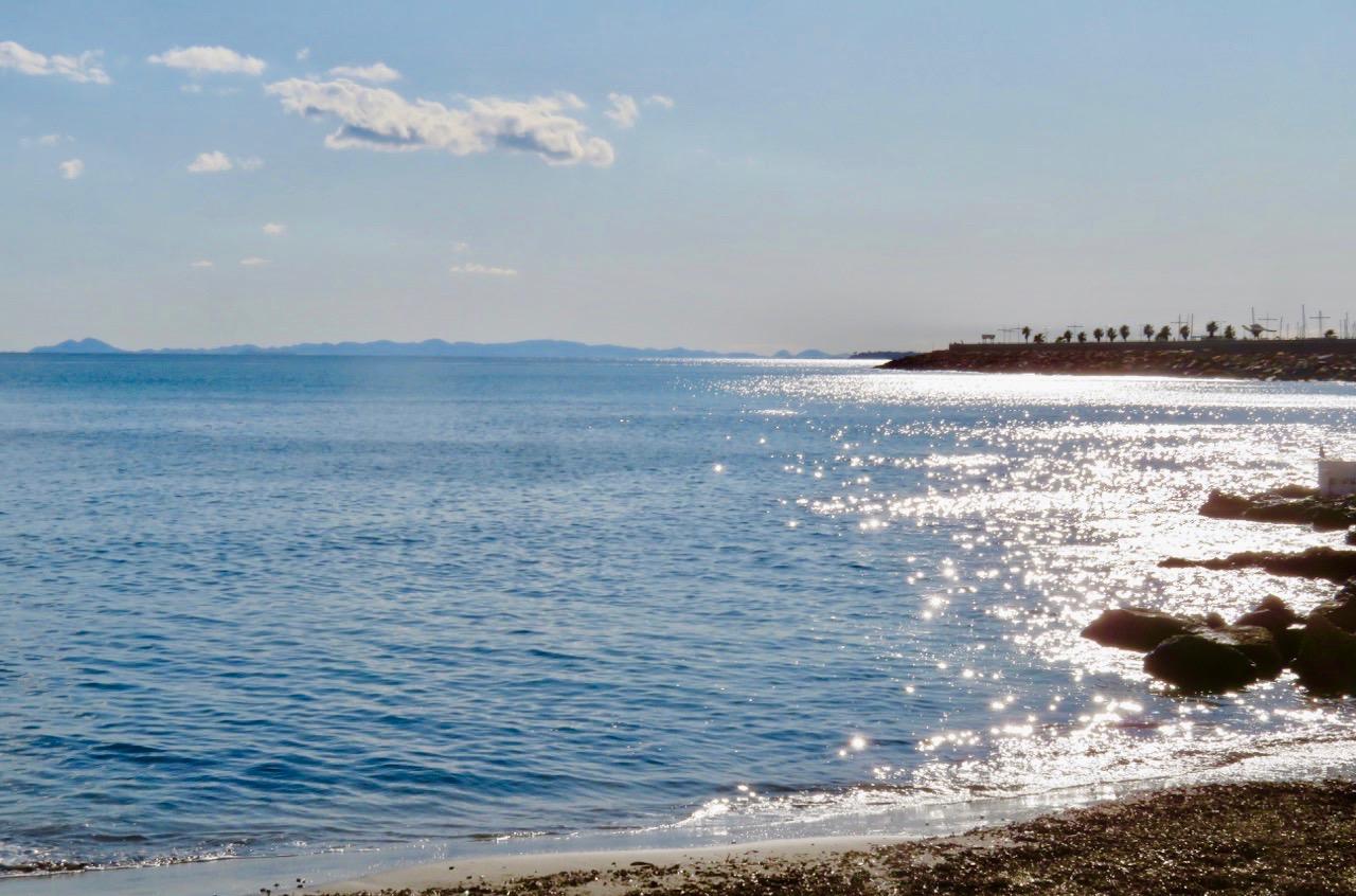 Ett glittrande Medelhav och strålande sol i Torrevieja. Och goda förutsättningar fanns för att det vackra vädret skulle hålla i sig. för att
