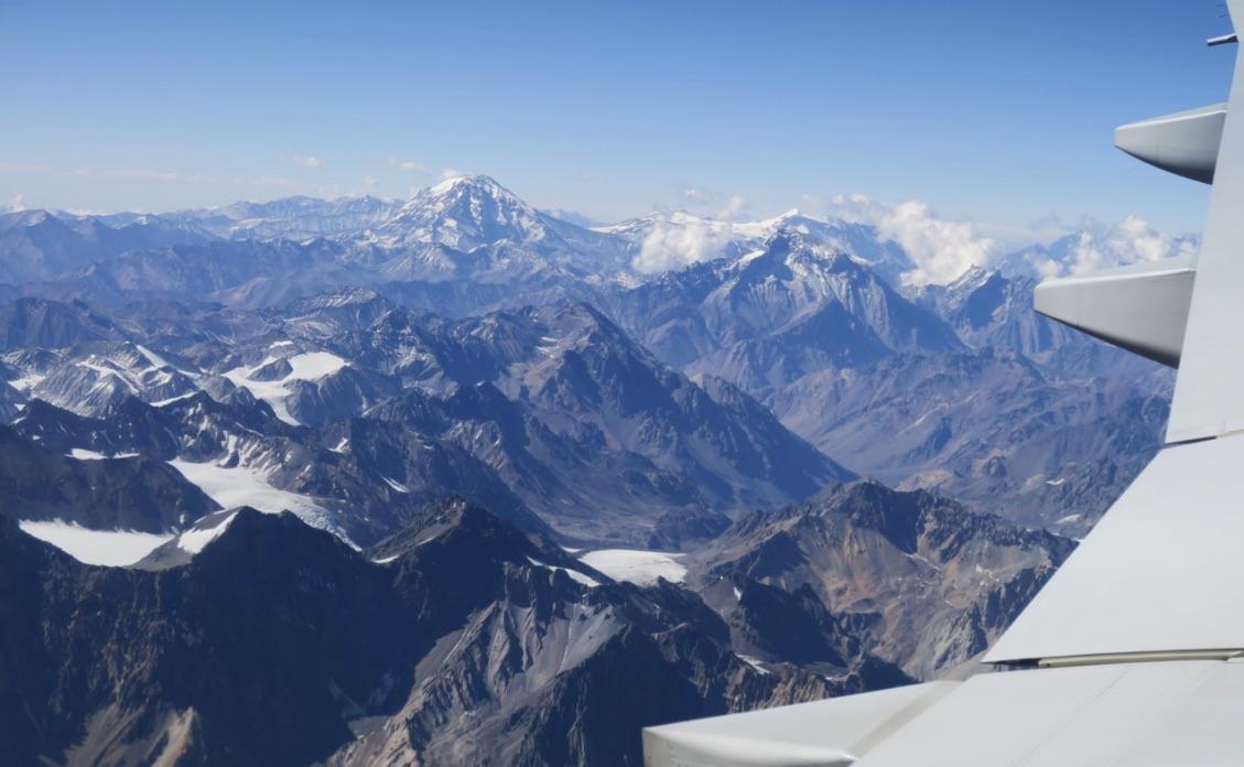 Helt fantastiskt att flyga in mot Santiago de Chile och ha Anderna under oss.