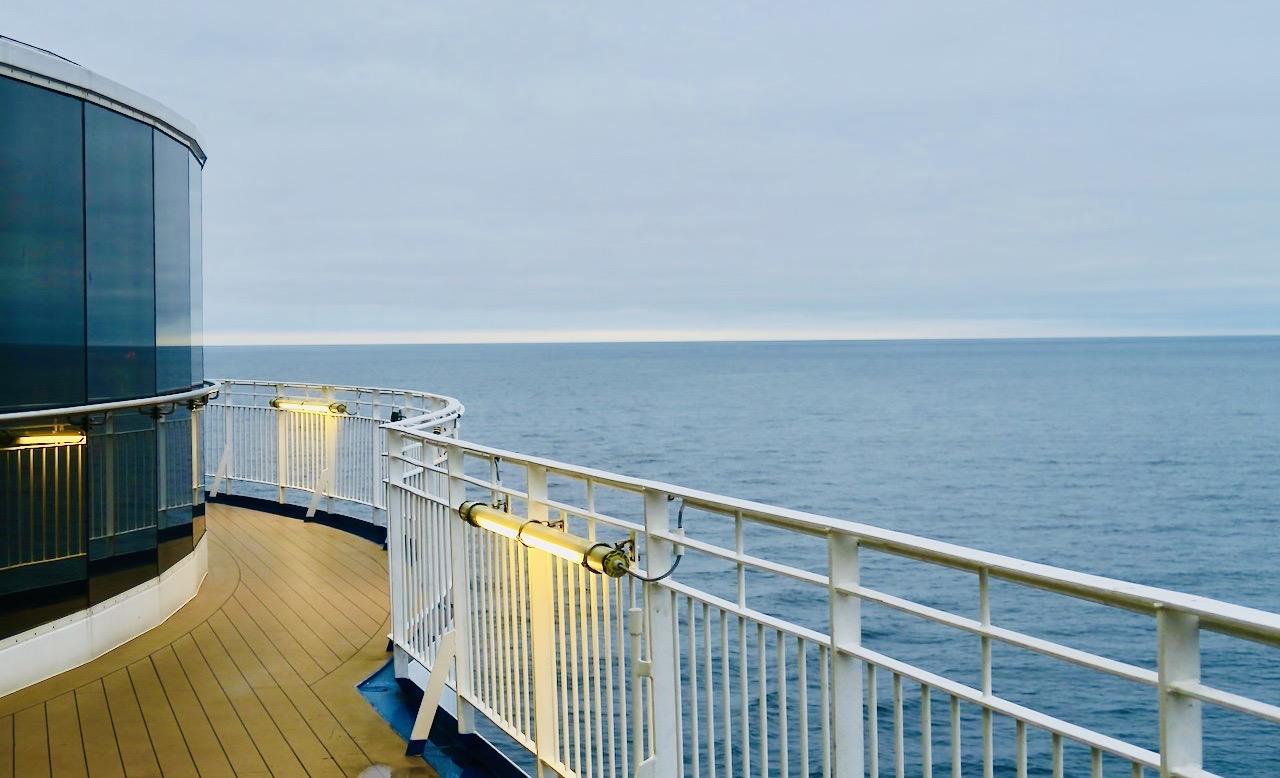 Ombord gick det hyfsat att ta de daglige promenaderna. Däck 11 erbjuder en motionsslinga/rundbana på 200 meter.