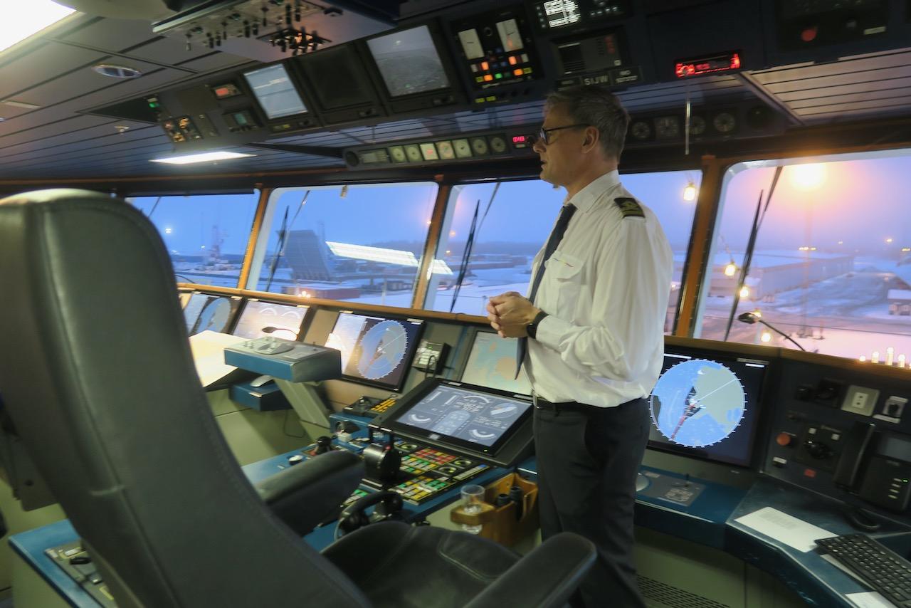 Julafton ombord på bIrka Stockholm och vi fick en rundtur uppe på komandobryggan.