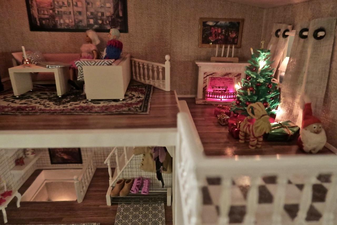 Julstämning även i dockhuset