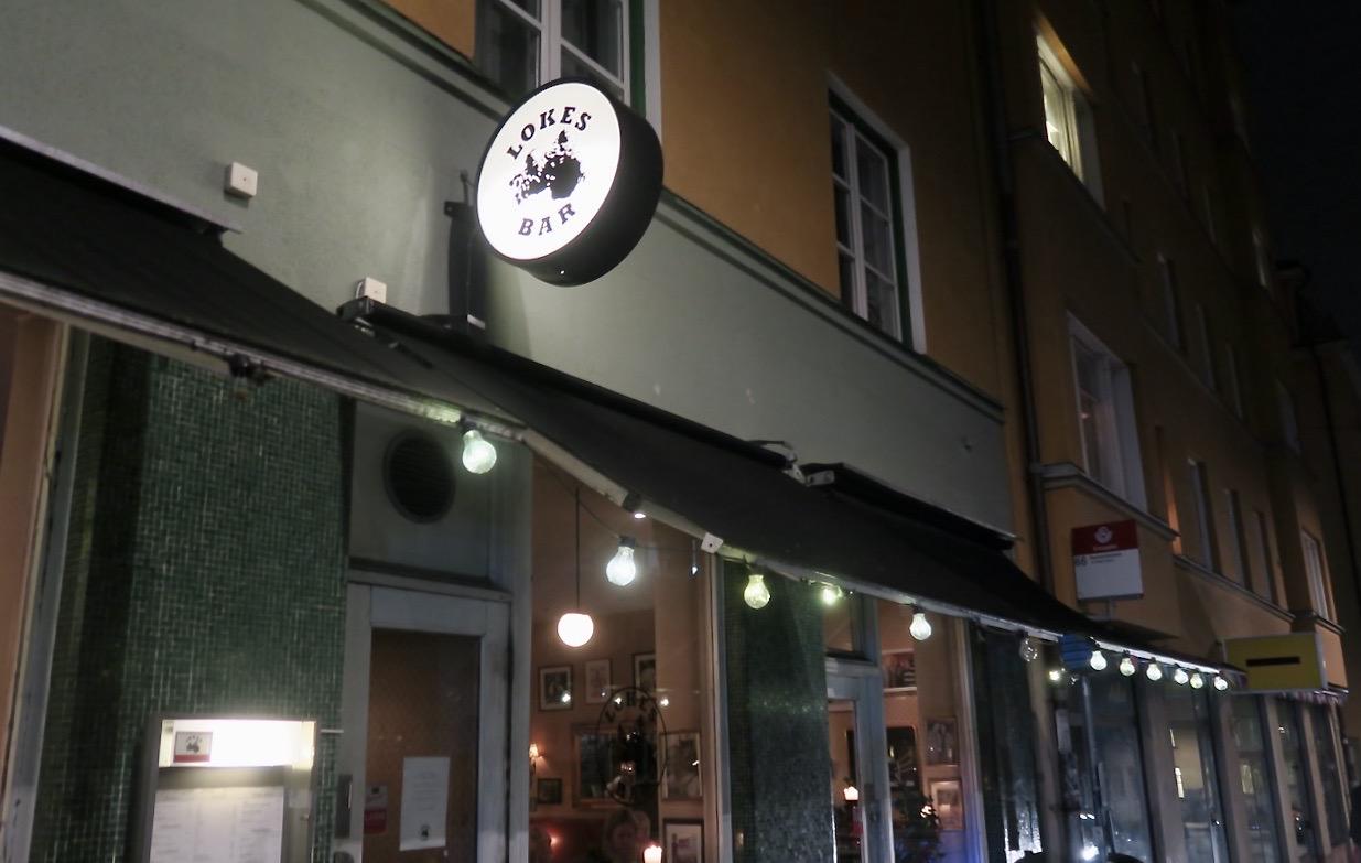 Att det blev middag med många vänner på restaurang Lokes bar blev en överraskning.