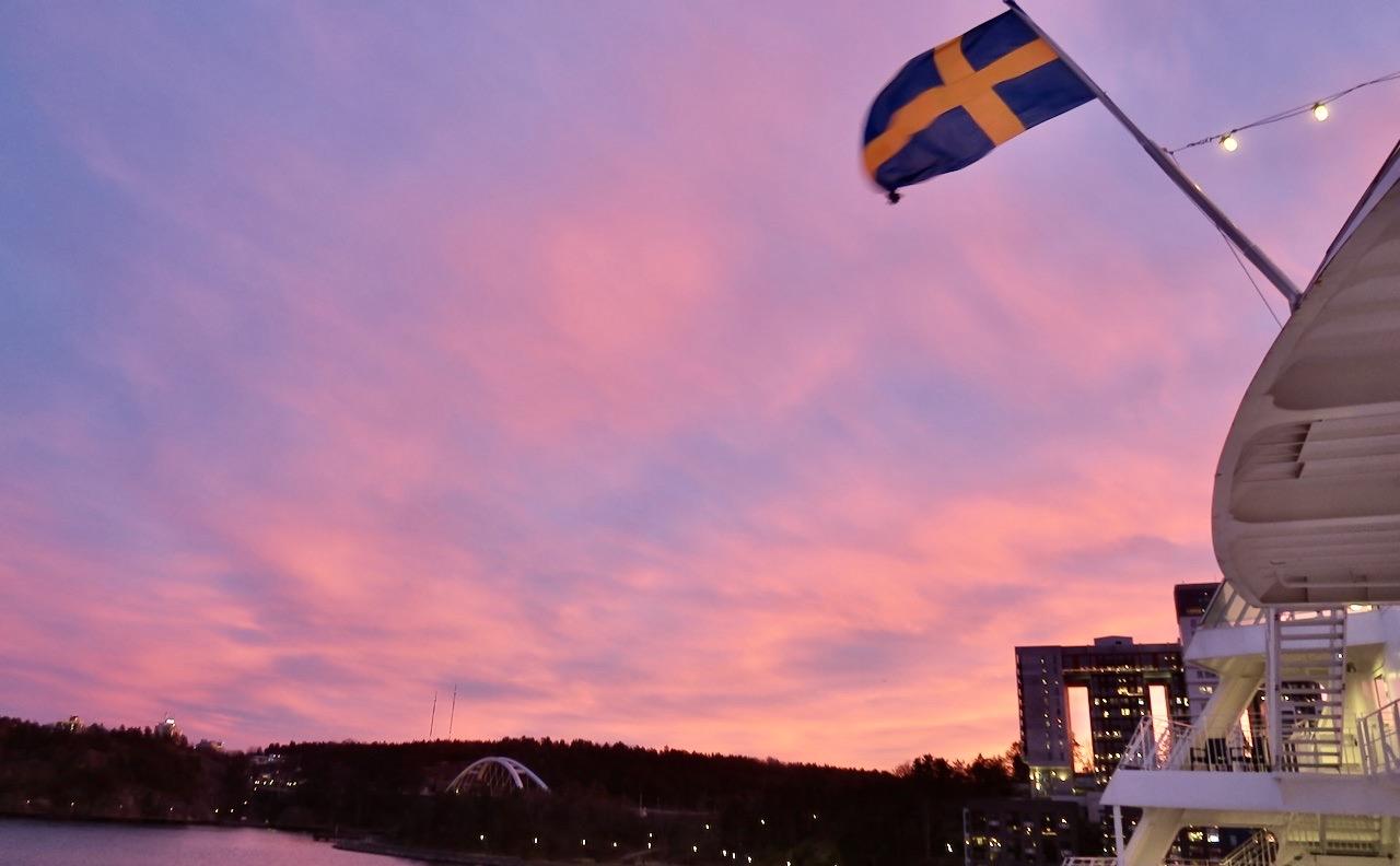 Precis som jag hade hoppats på blev det en vacker resa tillbaka till Stockholm-