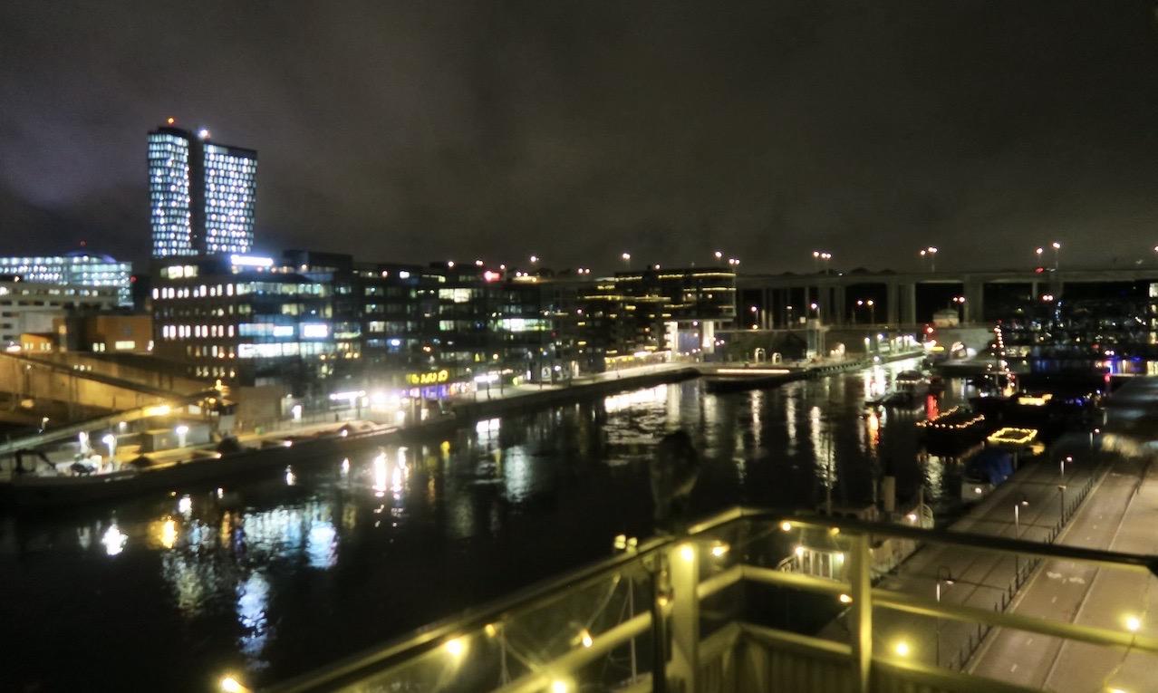Stockholm tidig tisdag morgon. Snart på väg mot Arlanda