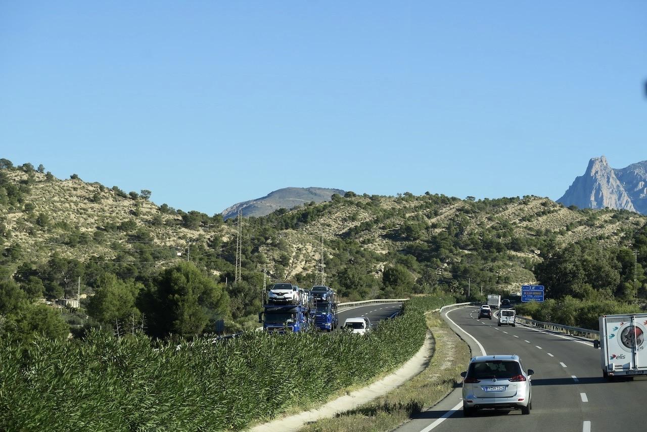 Vi är på väg norrut längs Costa Blanca. Här strax innan Benidorm