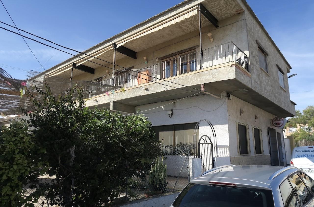 Hemligt mål för njutflykten var grannbyn Los Montesinos och restaurang Rincon de Miguel