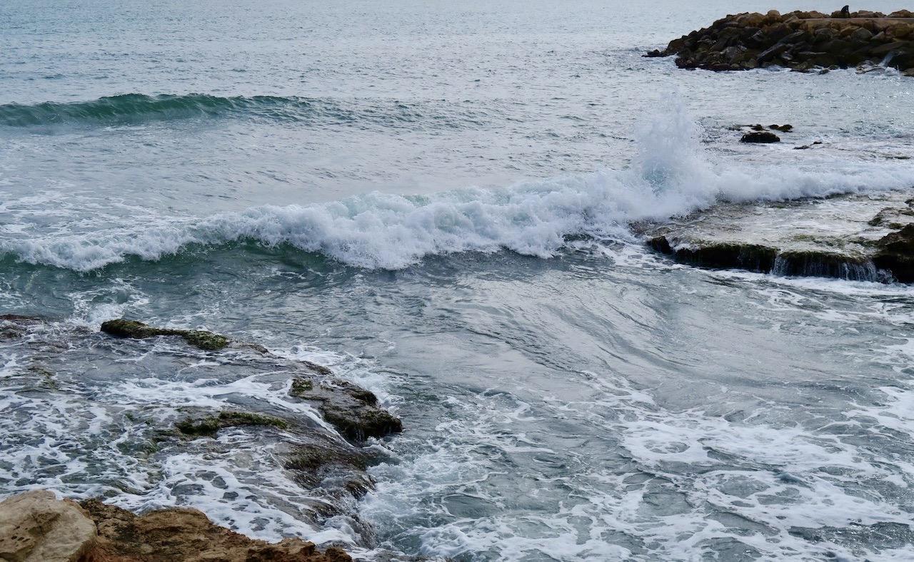 Havet fascinerar mig alltid. Och fina dagar här innefattar också oftast en promenad längs havet.