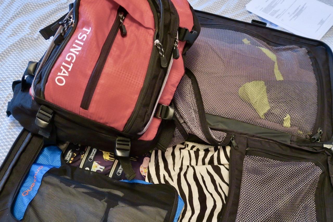 En välfylld väska som är klar för Vemdalen och skidåkning