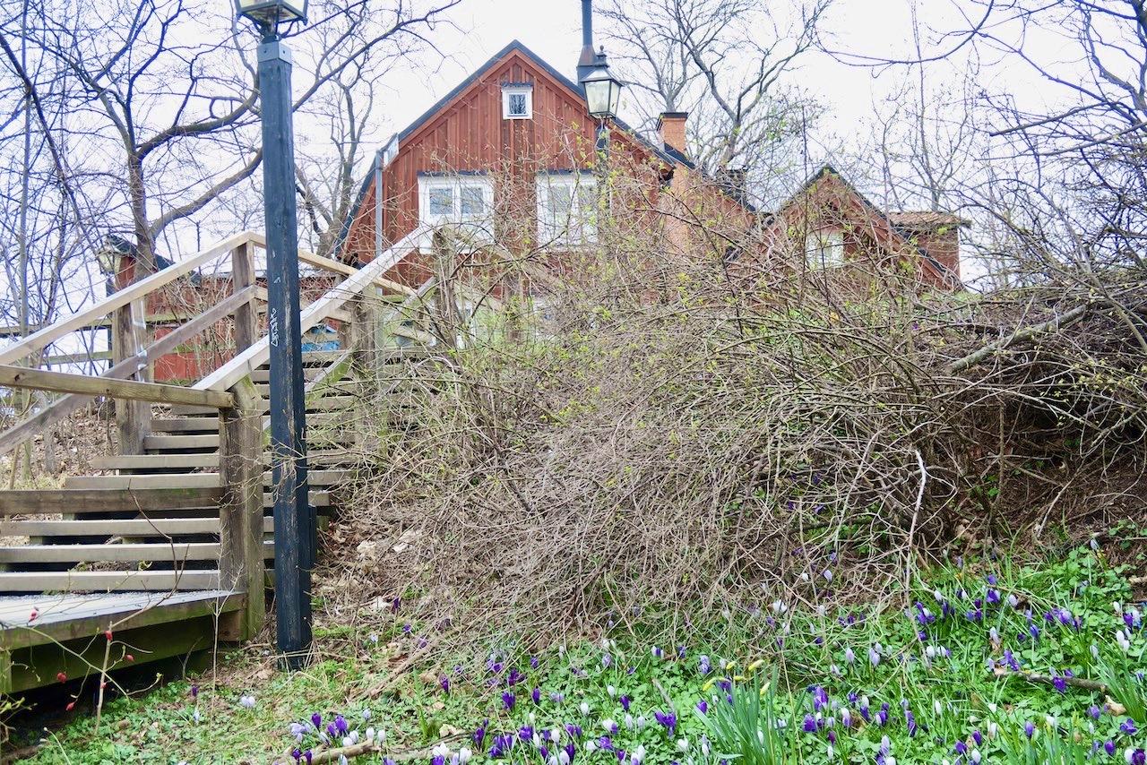 Många fina promenadområden erbjuds uppe på Söders höjder. Och Stigberget är en av dem.