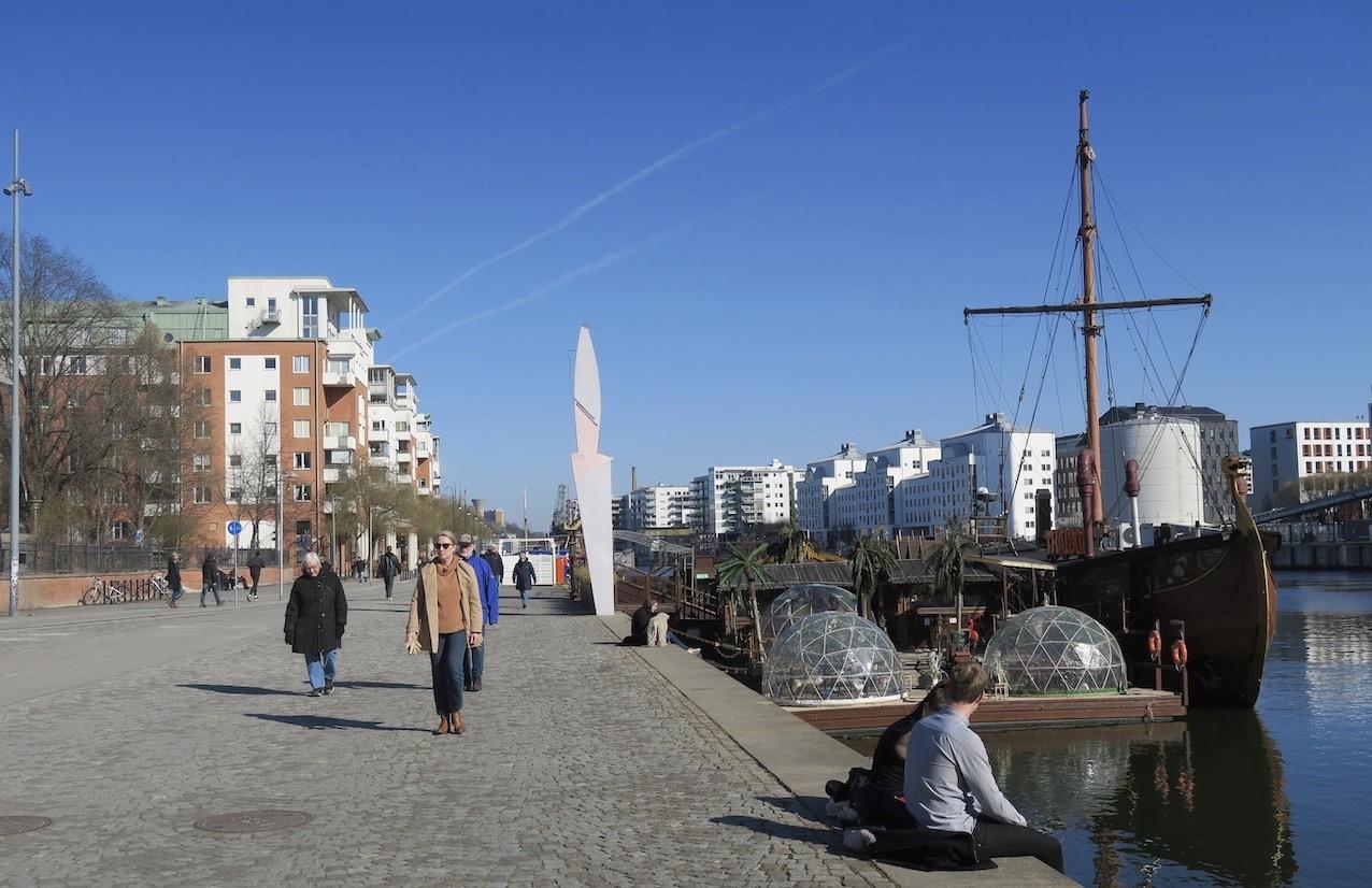 Norra Hammarbyhamnen. Vad är framåt och vad är bakåt? En öppen fråga.