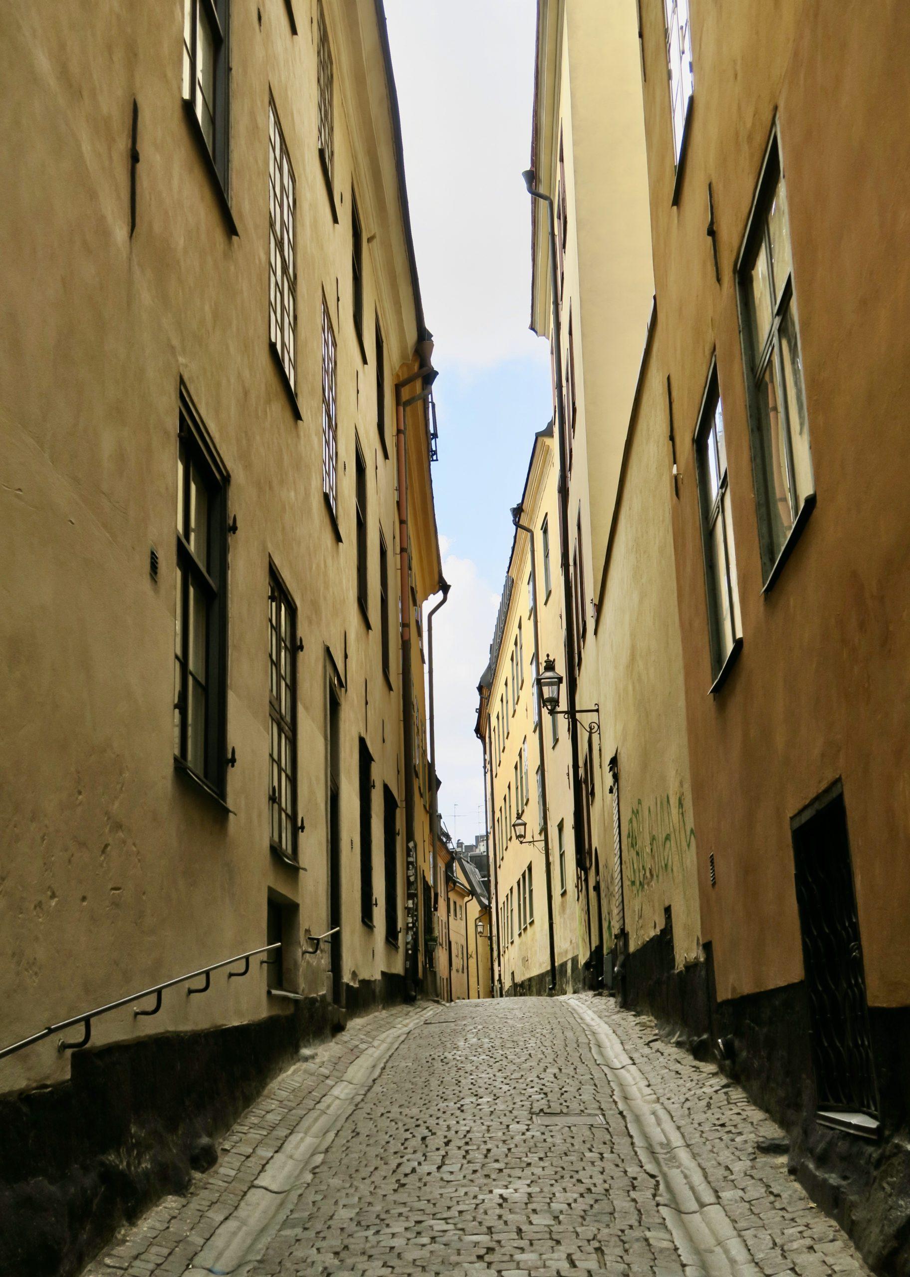 Prästgatan, en av alla gränder i Gamla stan där jag var helt ensam- Så märkligt.