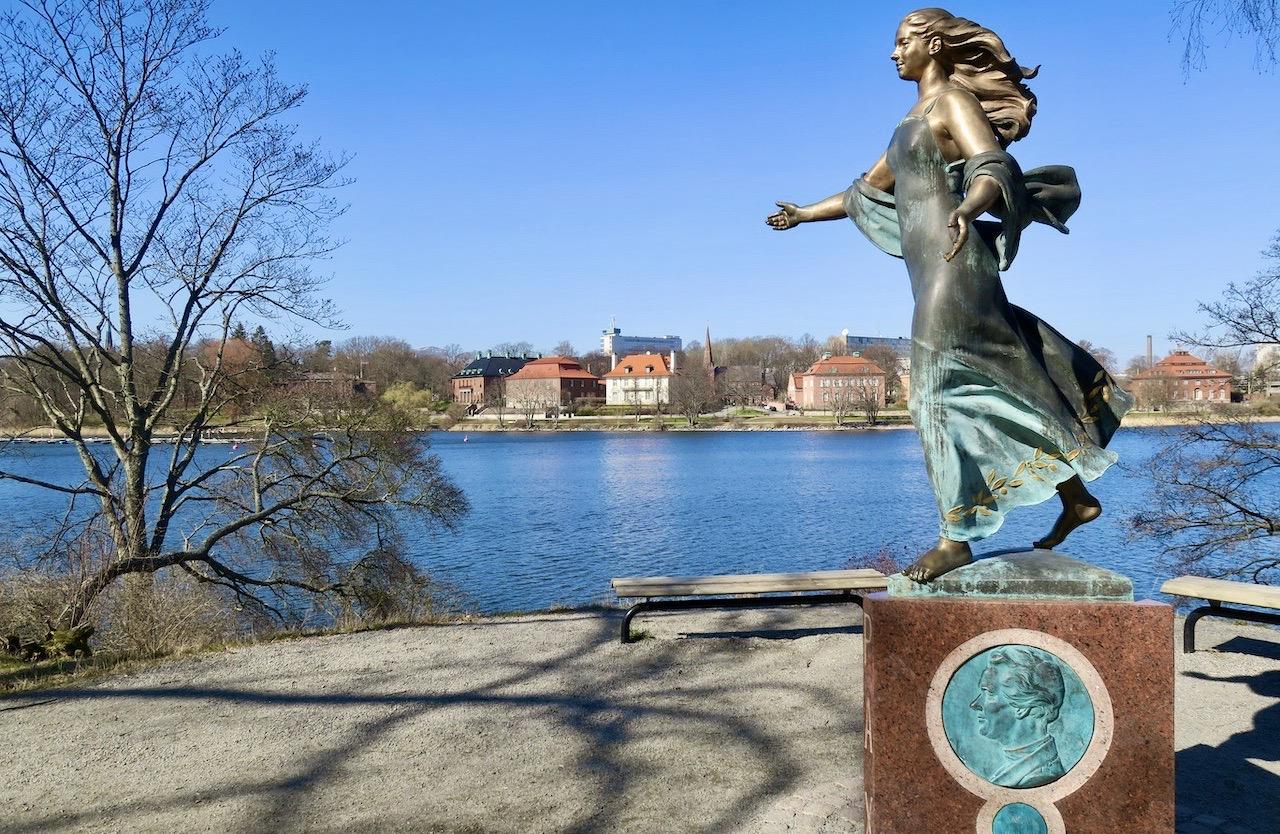 En Stockholmspromenad kan innehålla mycket av det mesta. Natur eller stadsmiljö. Eller kanske båda.