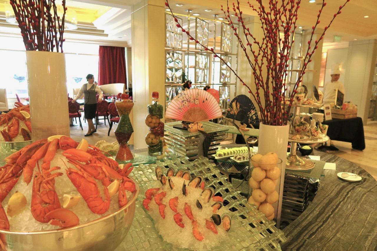 Tacka vet jag skaldjur! Här på hotel St. Regis i Peking. Söndagsbrunch.