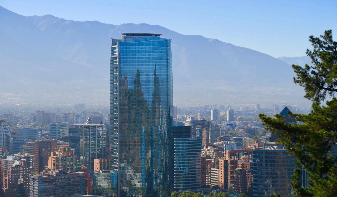 Under en resa i Sydamerika får jag möjlighet att titta närmare på Chiles huvudstad, Santiago