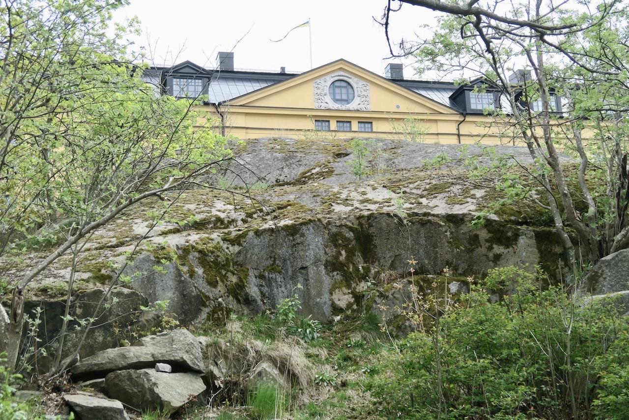 Högst upp på Gubbhusberget. Ett nytt möte med både berget och Pålsundsparken.