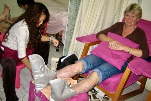 Fotvård i Peking med fotmassage. Här ler både mina tår och jag.